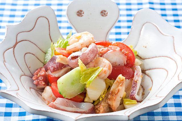 ガーリック&チリ風味のシーフードサラダ
