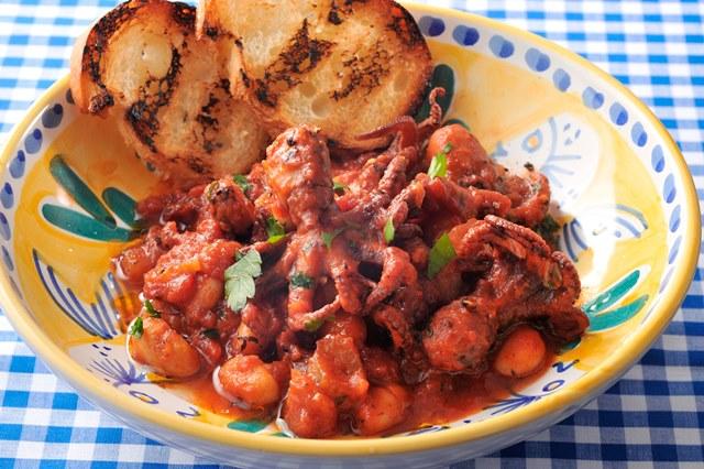 タコと豆のトマト煮