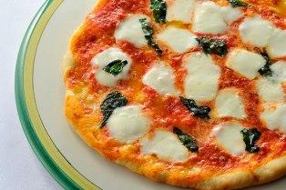 ピッツァ マルゲリータ(オーブンで焼くピッツァ)