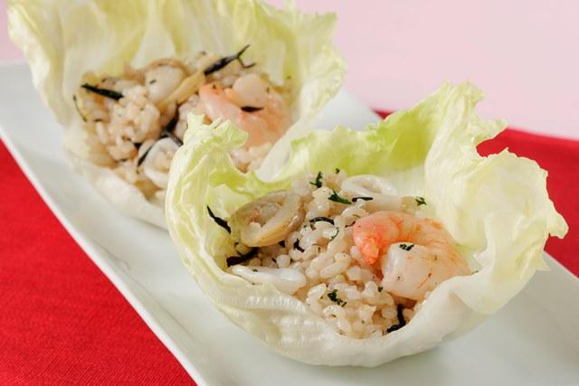 玄米のシーフードライスサラダ